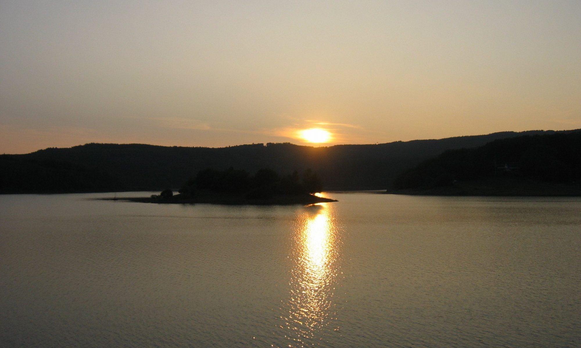 Sonnenuntergang am Rursee